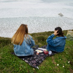 A simple seaside picnic